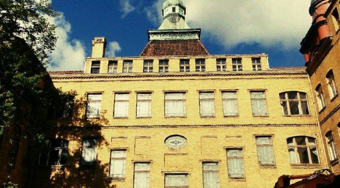 Das Gelbe Rathaus Pankow